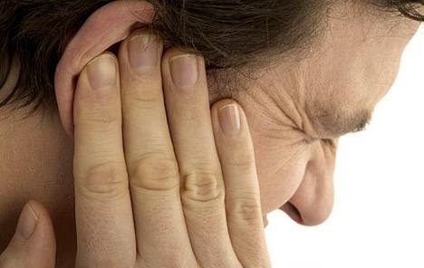 Звон и боль в ушах подлежат лечению